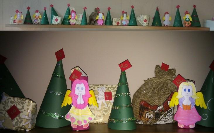 Adventskale nder - Engel und Tannenbäume